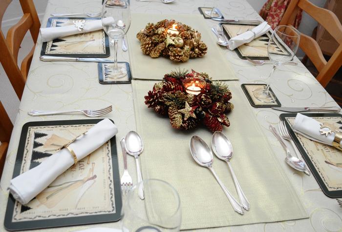 Golden Christmas Angle Table Linen