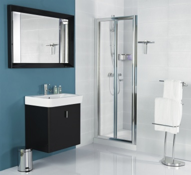 CLEARANCE Shower Enclosures