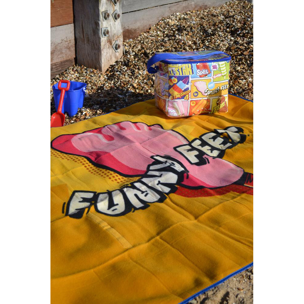 Wall's Funny Feet Picnic Beach Blanket