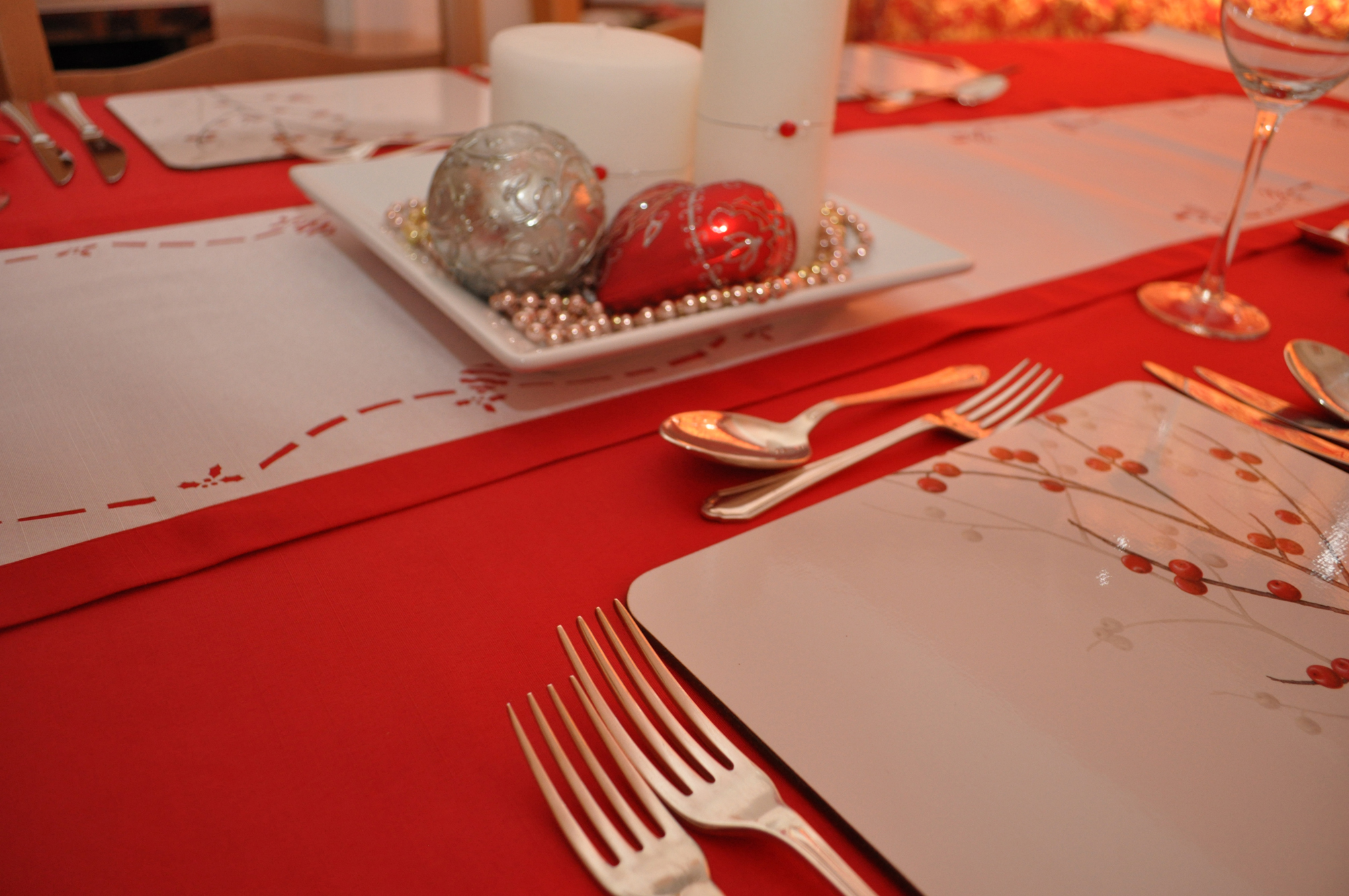 Red Christmas Linen