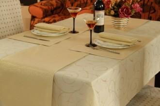 Gold Swirl Regular Table Linen Set for 4